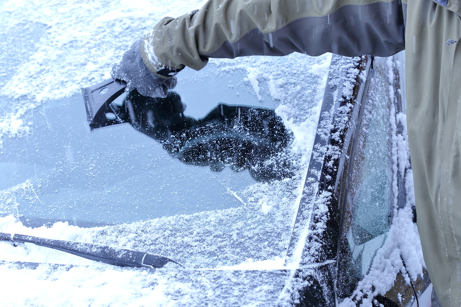 how to take care of your windshield in the winter